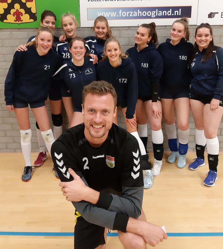 Afbeelding Volleybaltoppers geven training aan Forza MA1